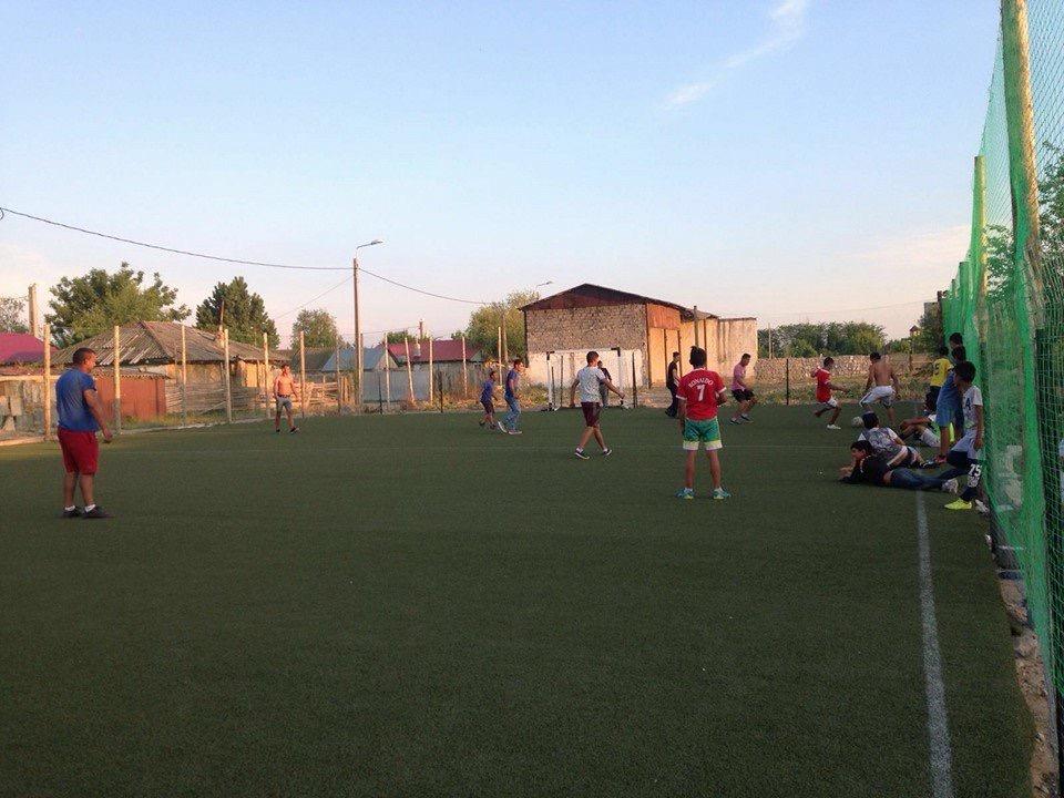 Hilfsprojekt_Caramidari_September_2015_Kinder_Fußballplatz_11
