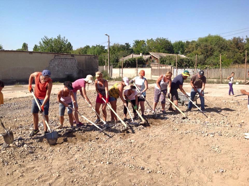 Hilfsprojekt_Caramidari_September_2015_Kinder_Fußballplatz_5